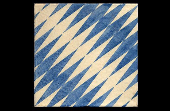 deferranti-italianate-appoggi-blue-and-white-handpainted-terracotta-tile